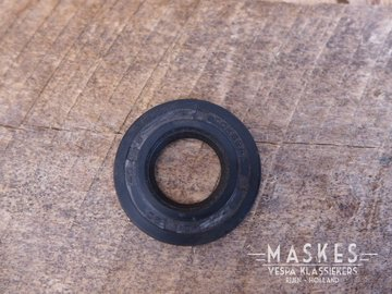Oil seal flywheel V33