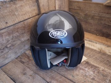 Premier helmet black high gloss