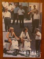 Poster vespa Primavera white, 2 girl