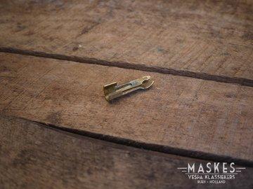 Spark plug clamp lead